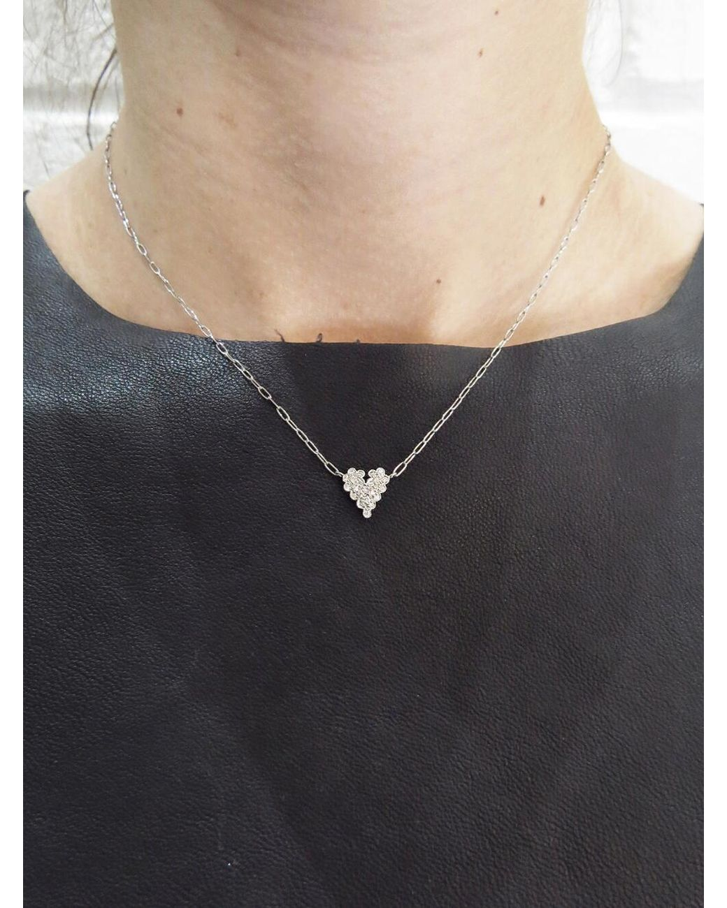 81e8f57e9f4 Cathy Waterman Scalloped Diamond Heart Necklace in Metallic - Lyst