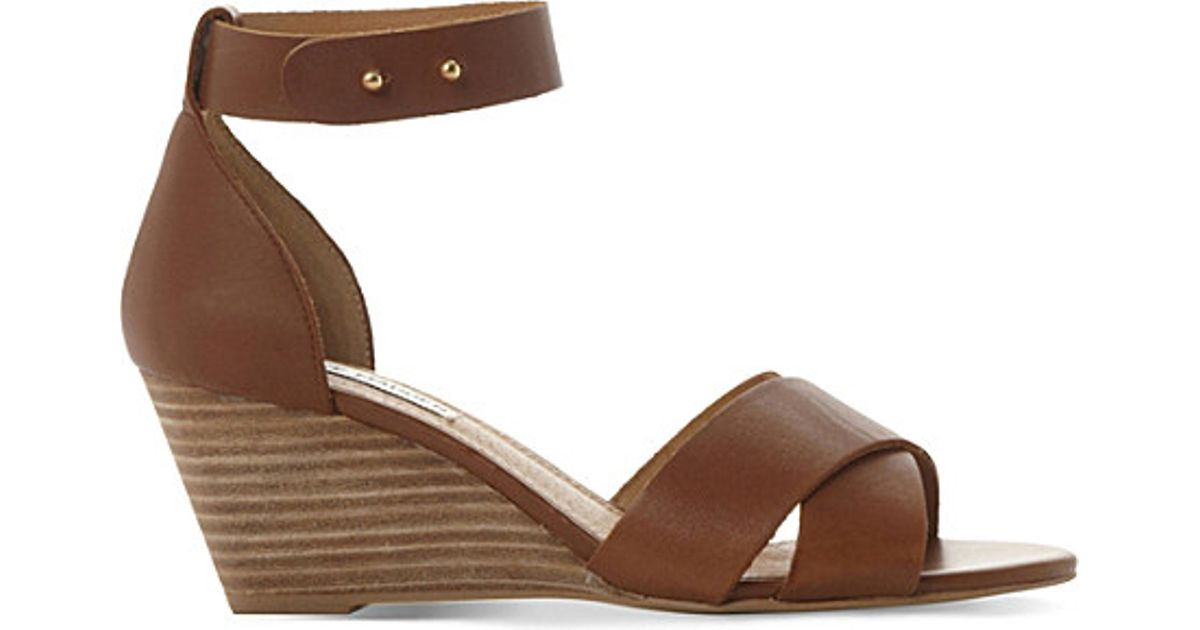 810476aa7e1 Steve Madden Nilla Leather Wedge Sandals in Brown - Lyst