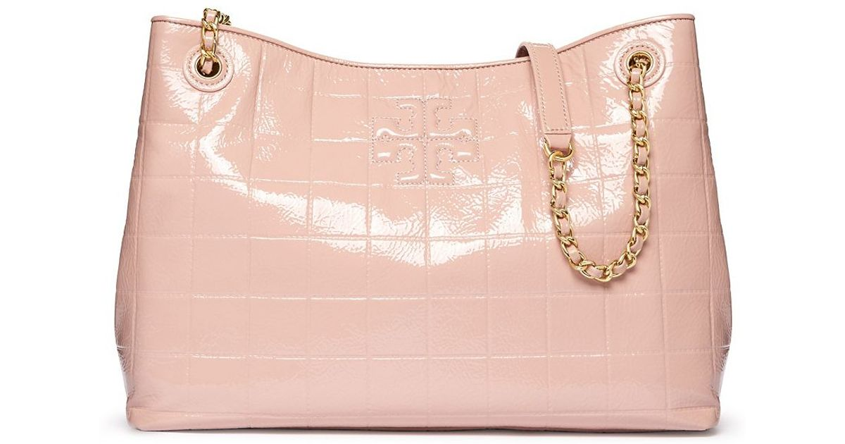 f4647f5c0e3 Lyst - Tory Burch Marion Quilted Patent Chain-shoulder Slouchy Tote in Pink