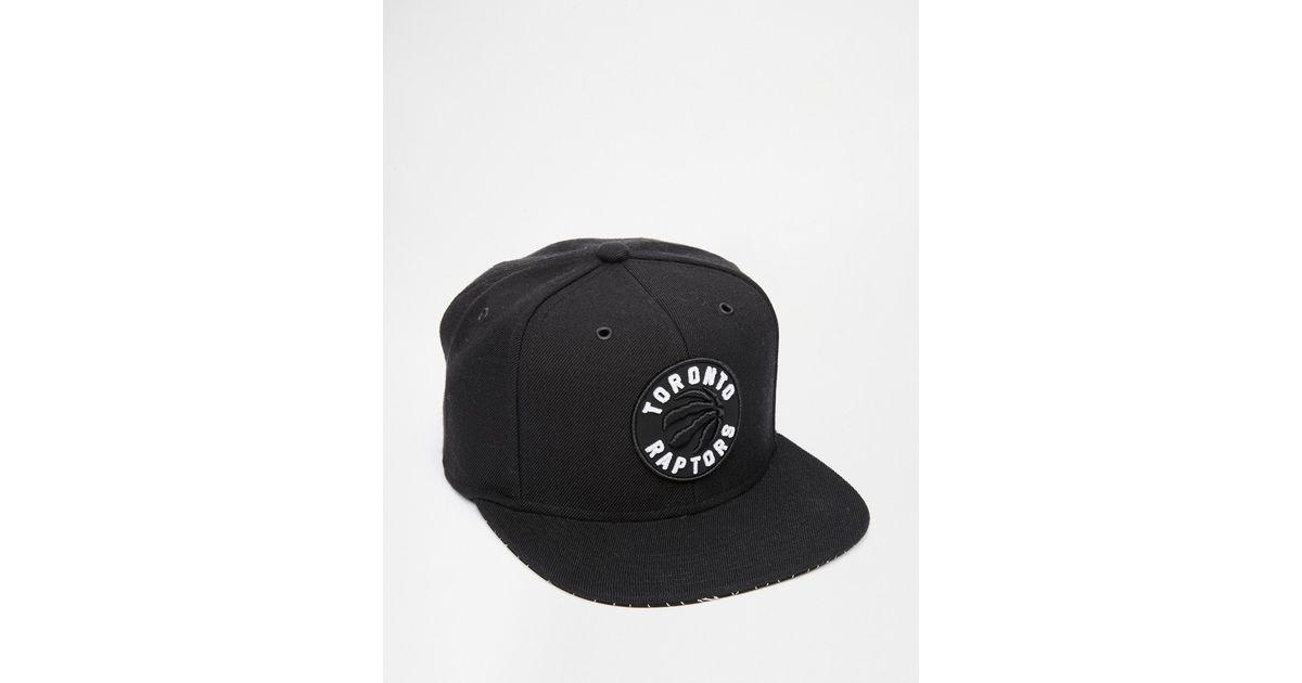 72897625fb7 Lyst - Mitchell   Ness Grid Toronto Raptors Snapback Cap in Black for Men