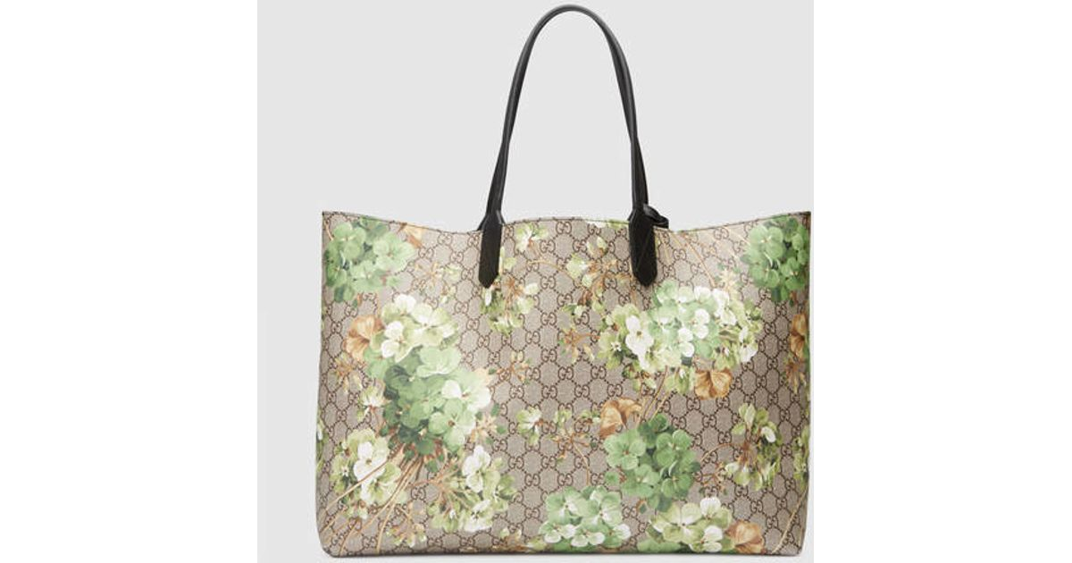 6ed4f9448 Gucci Reversible Gg Blooms Leather Tote in Gray - Lyst