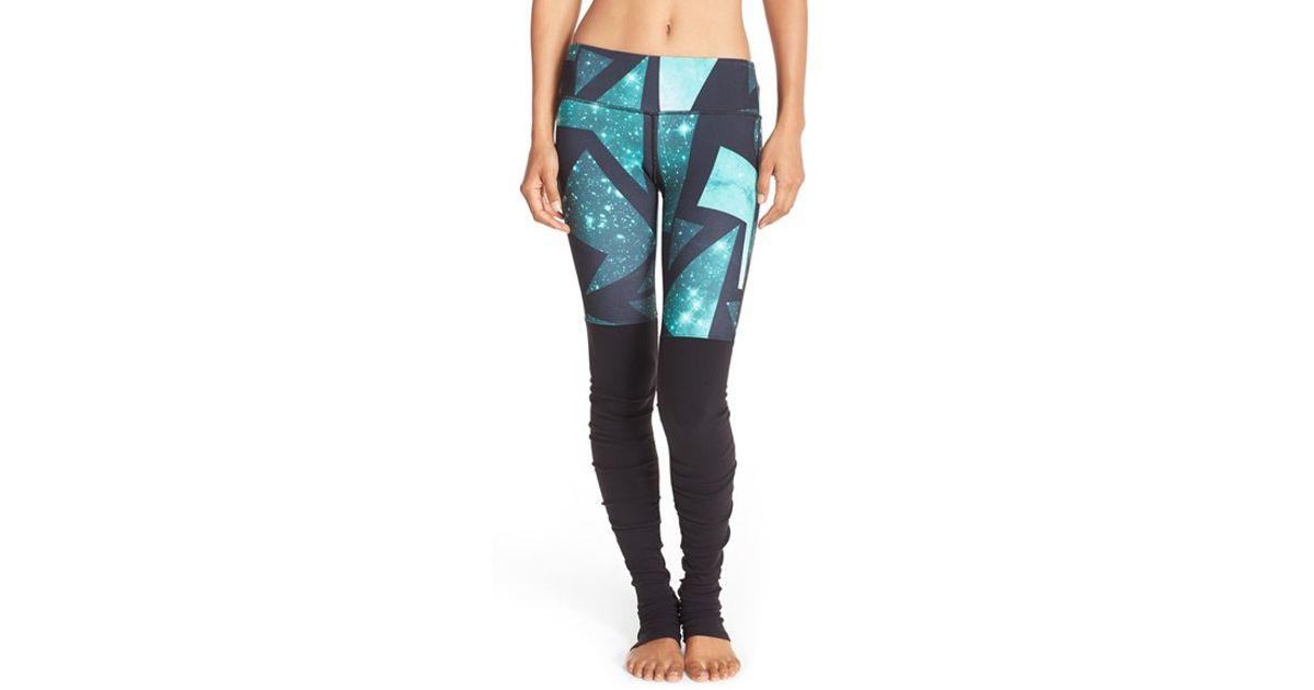 f0b5068ce9741 Alo Yoga Goddess Printed Ribbed Leggings in Blue - Lyst