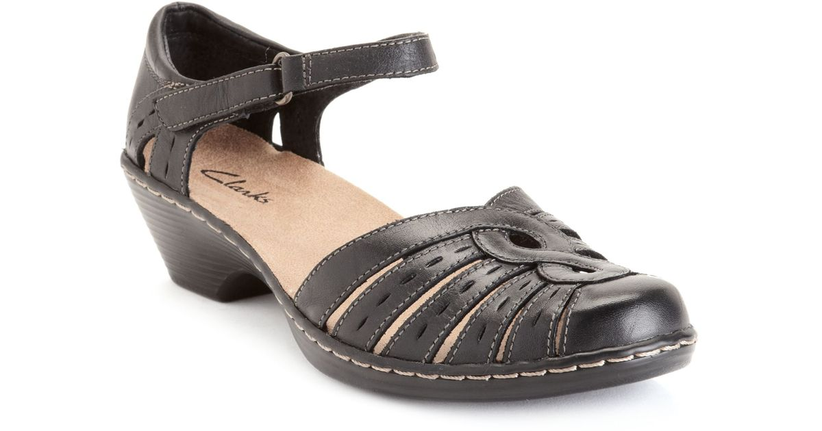 a17dd09c8b3d6f Lyst - Clarks Womens Shoes Wendy River Sandals in Black
