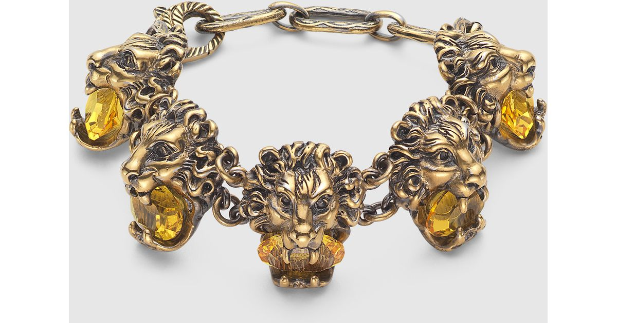 d90541076cf Gucci Lion Head Bracelet With Crystals in Metallic - Lyst