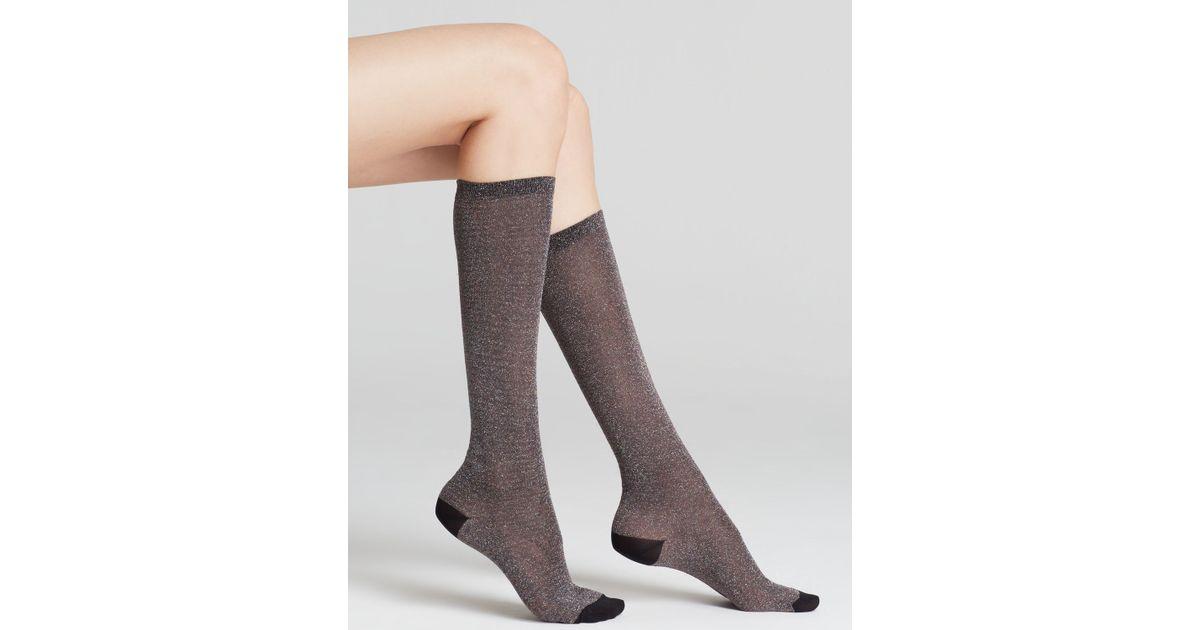 9bb84344819 Kate Spade Shiny Lurex Knee-High Socks in Black - Lyst