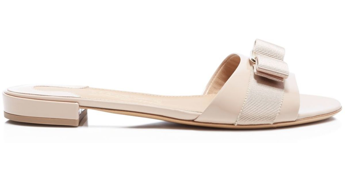 97401ceae4f1 Ferragamo Gil Bow Slide Sandals in Pink - Lyst