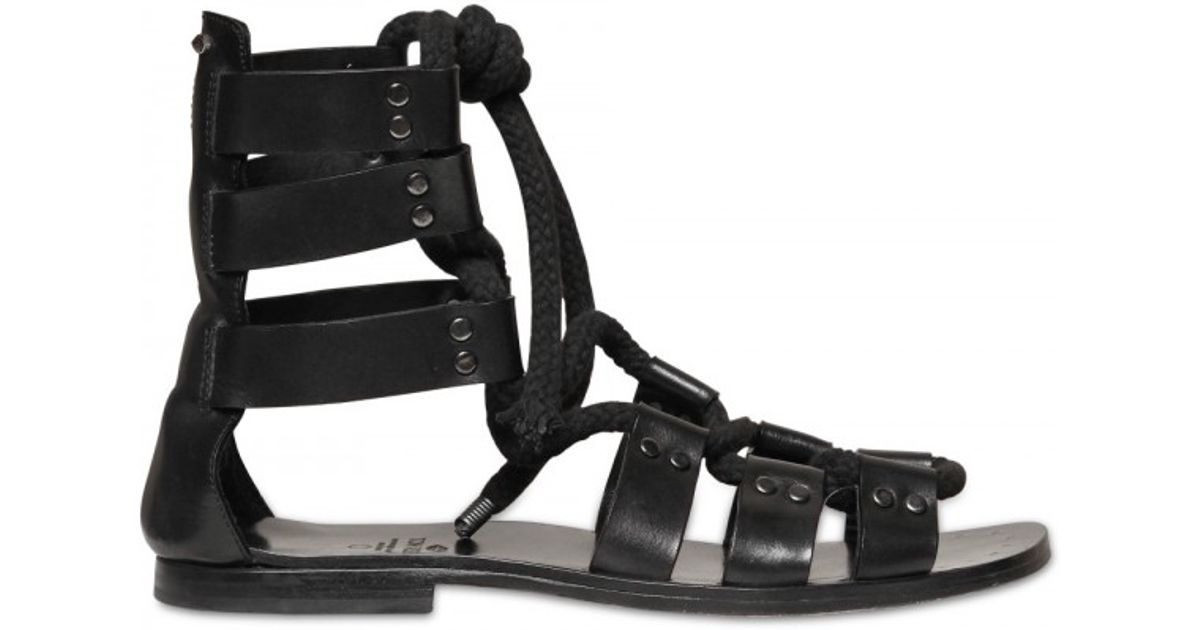 Ala?a Leather Gladiator Sandals. tsP8Zx