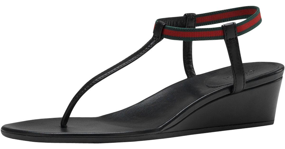 69aae11c4b2f Gucci Areia Thong Wedge Sandal in Black - Lyst