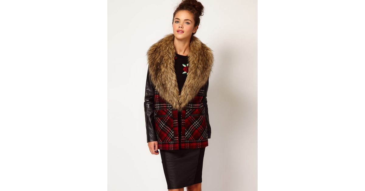 River island Faux Fur Collar Check Coat in Red | Lyst