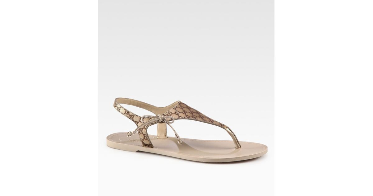 647ab941bf17 Lyst - Gucci Katina Leather Thong Sandals in Metallic