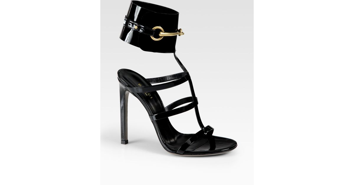 b8bf8dad4d9f Gucci Ursula Patent Leather Horsebit Ankle Strap Sandals in Black - Lyst