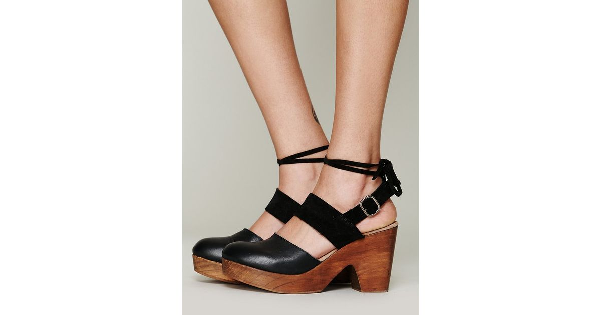 c57e4bb1d7 Free People Belmont Leather Clog in Black - Lyst