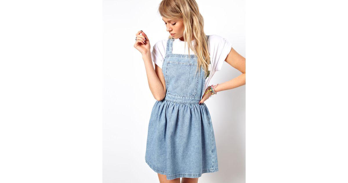 3b8d53e6f7a5 ASOS Cross Back Denim Pinafore Dress in Light Vintage Wash in Blue - Lyst