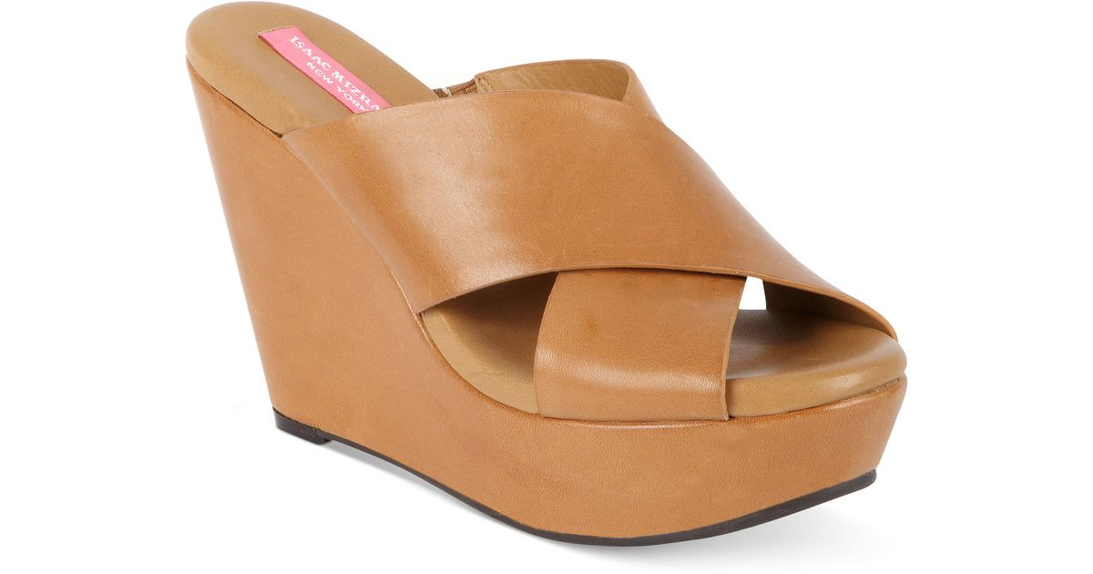 3c624db5e69 Lyst - Isaac Mizrahi New York Cora Platform Wedge Slide Sandals in Brown