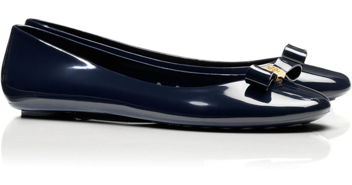93e2acb9d21 Lyst - Tory Burch Jelly Bow Ballet Flat in Blue