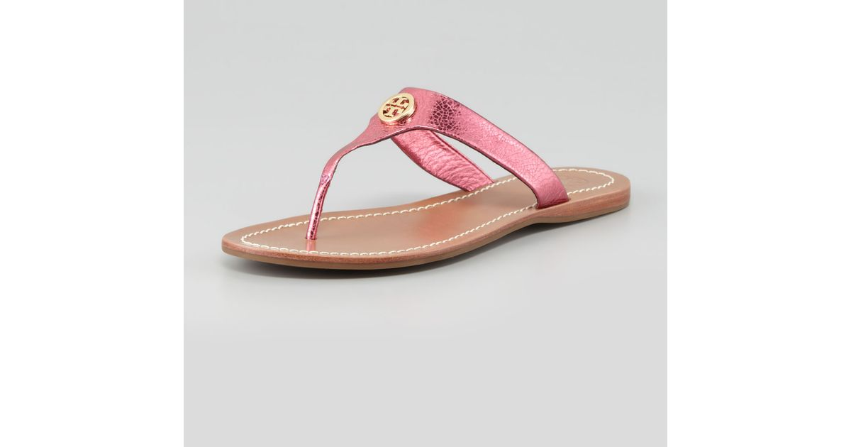 8e527753e55 Lyst - Tory Burch Cameron Metallic Leather Logo Thong Pink in Pink