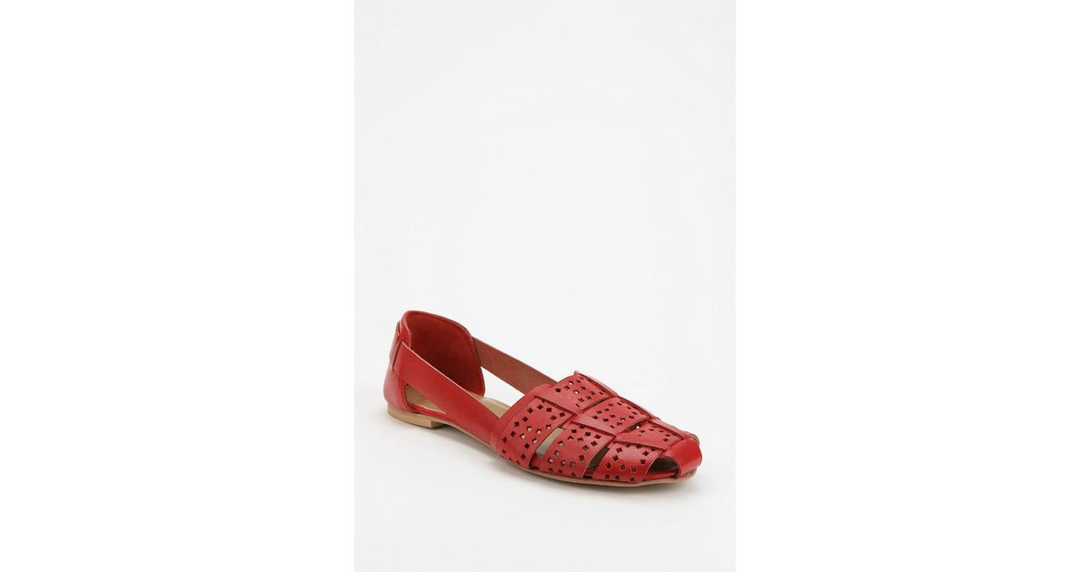 61ed5dfe3bee1 Lyst - Urban Outfitters Ecote Cutout Huarache Sandal in Red