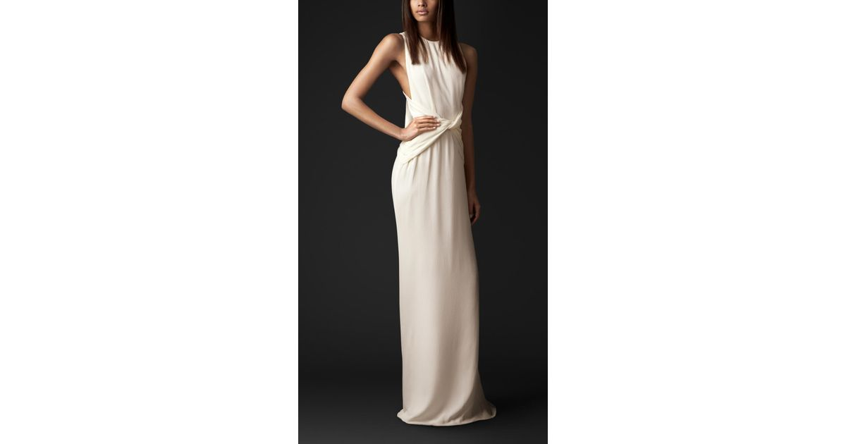 1953f703f2d Burberry Bow Back Silk Gown in White - Lyst