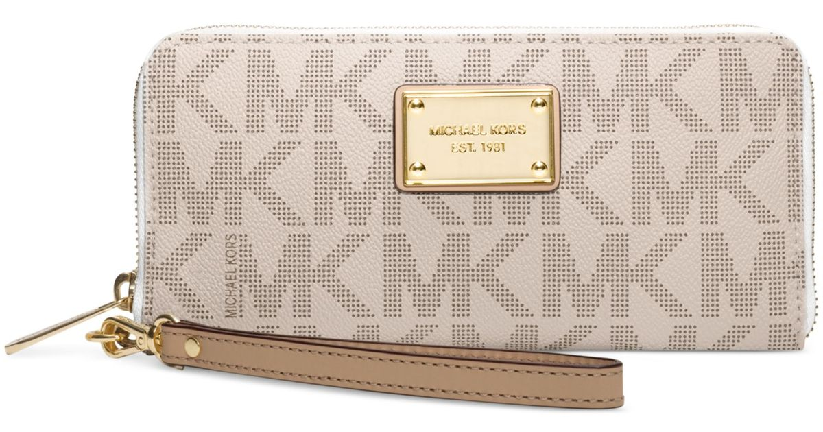 53fe2e14a6ac ... Jet Set Travel Continental Wallet - Lyst Lyst - Michael Kors Tech  Continental Wristlet in Natural ...