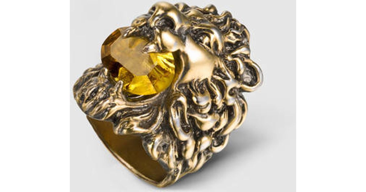 2d98715e40d0b1 Lyst - Gucci Lion Head Ring With Swarovski Crystal in Metallic
