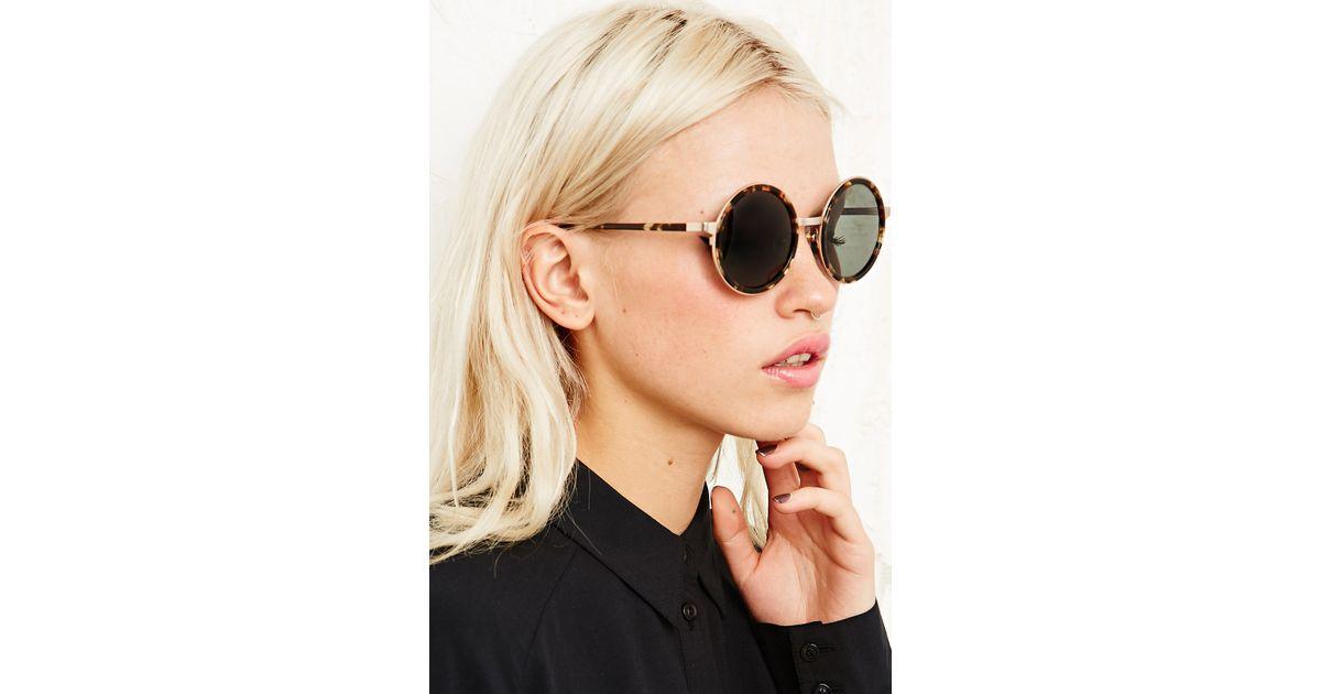b6a6fcd0b3b Urban Outfitters Raen Optics Fairbank Sunglasses in Tortoiseshell in Brown  - Lyst