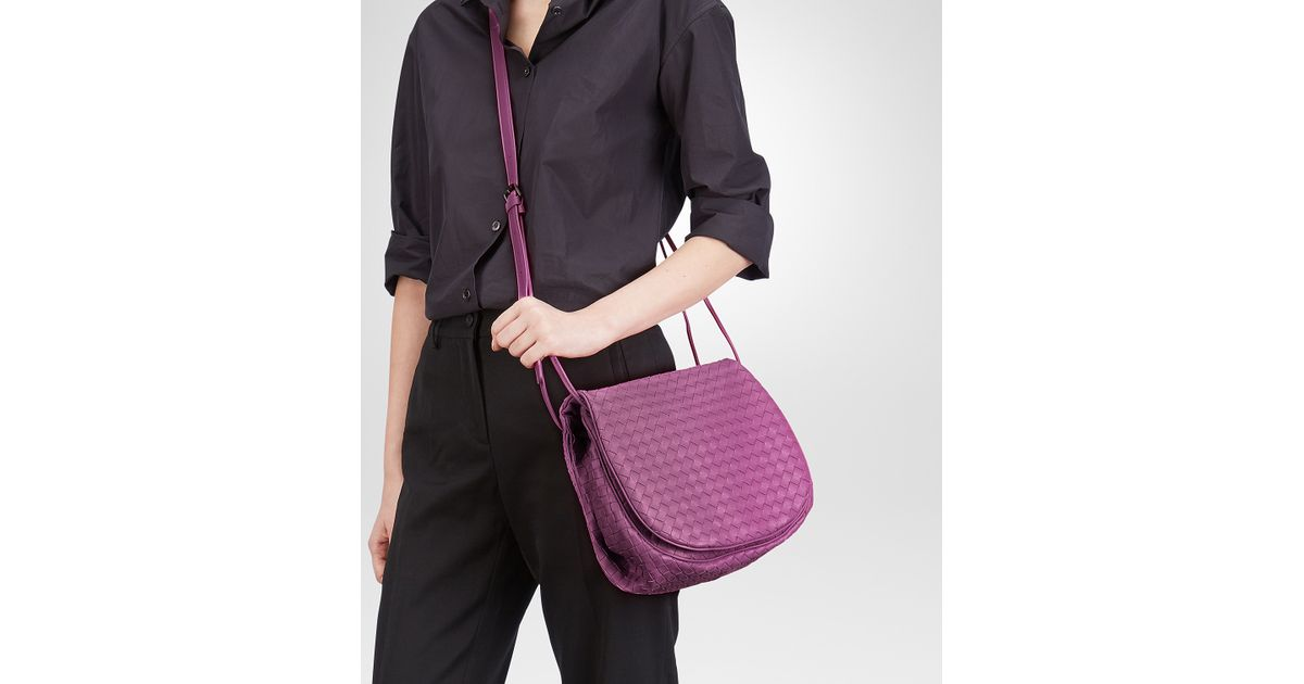 86d4085bcc Bottega Veneta Monalisa Intrecciato Nappa Messenger Bag in Purple - Lyst