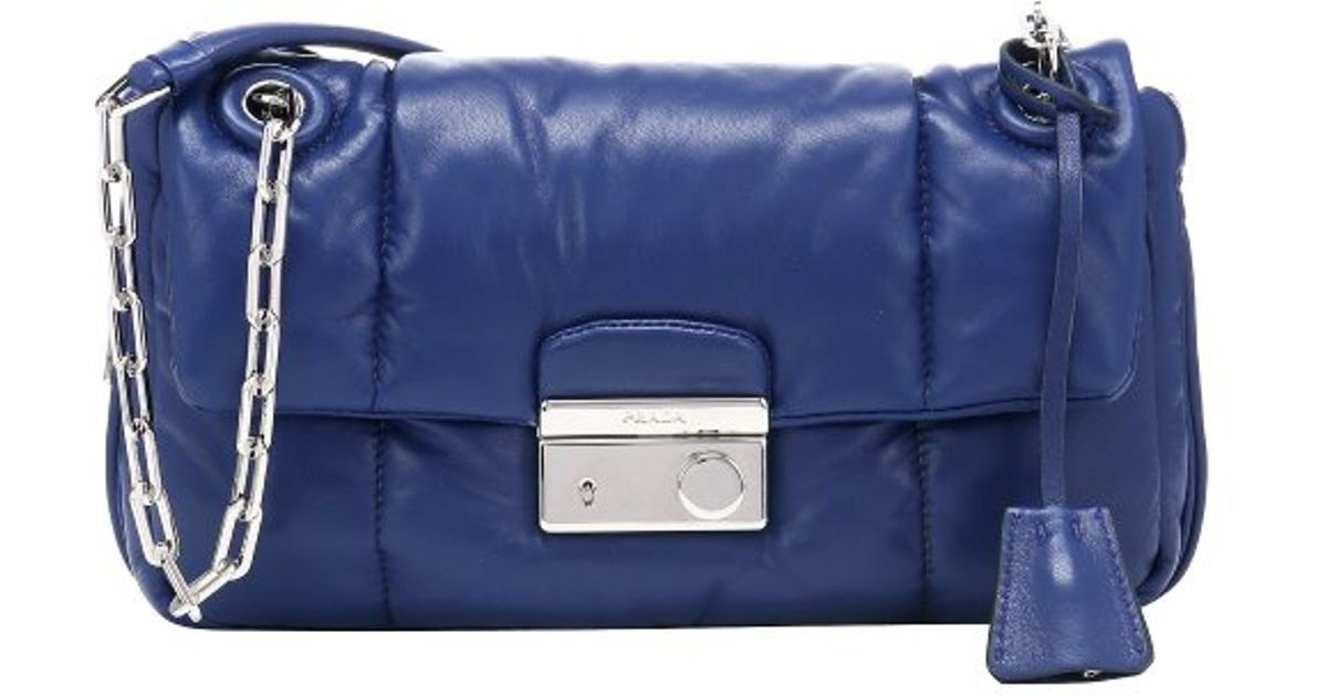 Prada Blue Quilted Lambskin Chain Link Shoulder Bag in Blue | Lyst