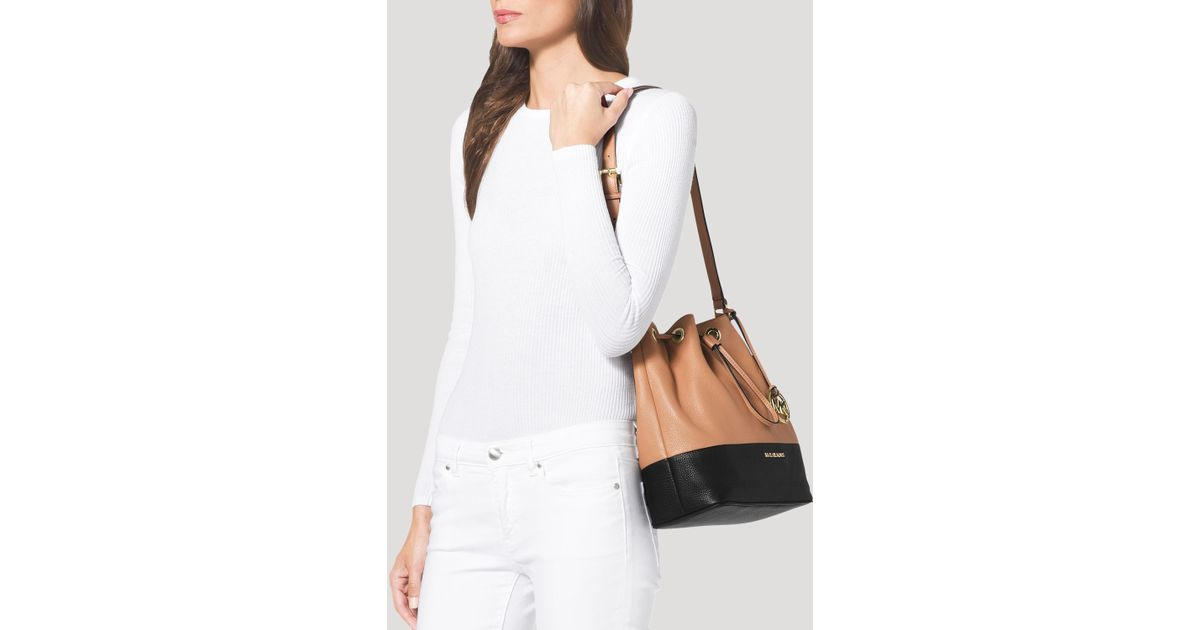 5f38ec6c8426 MICHAEL Michael Kors Shoulder Bag - Large Jules Colorblock Drawstring in  Brown - Lyst
