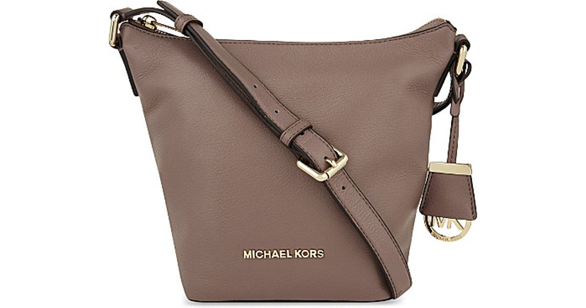 373e7343210c ... spain michael michael kors bedford small leather messenger bag for  women in brown lyst 93890 b7534