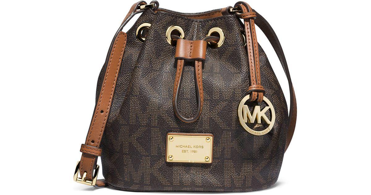 91ee8ae71619 MICHAEL Michael Kors Jules Logo Drawstring Crossbody Bag in Brown - Lyst
