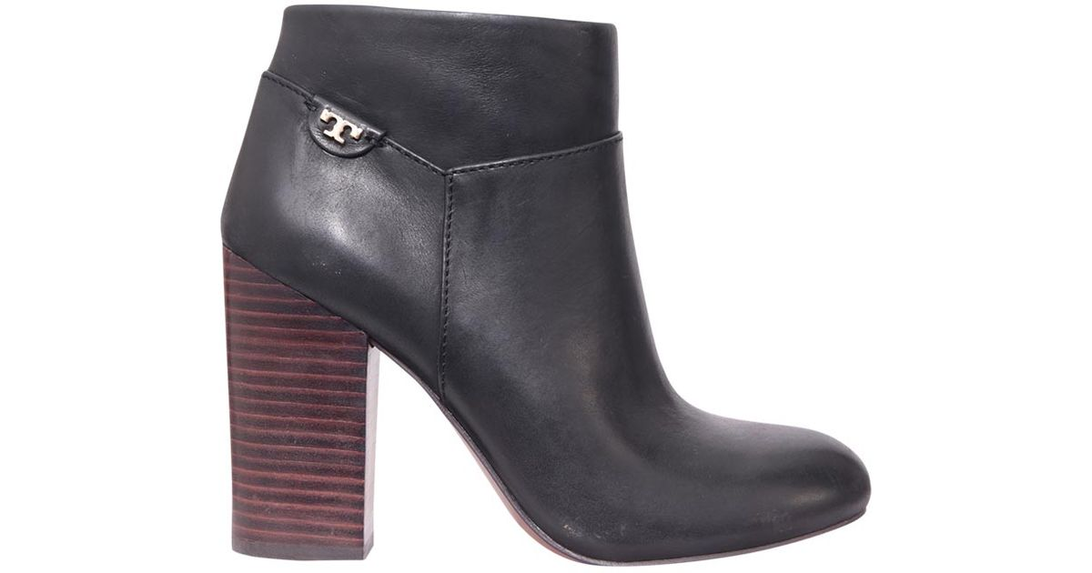 a855ca44ee0 Lyst - Tory Burch Fulton Ankle Boot in Black