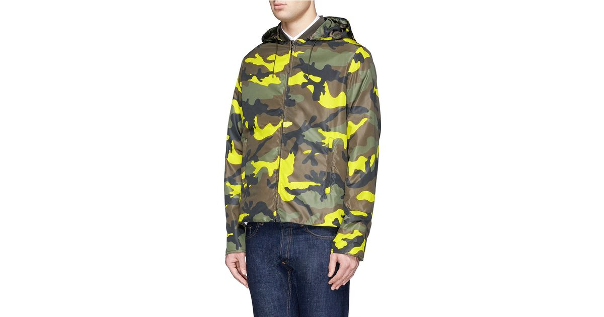 f417f07f29abb Valentino Reversible Camouflage Print Windbreaker in Green for Men - Lyst