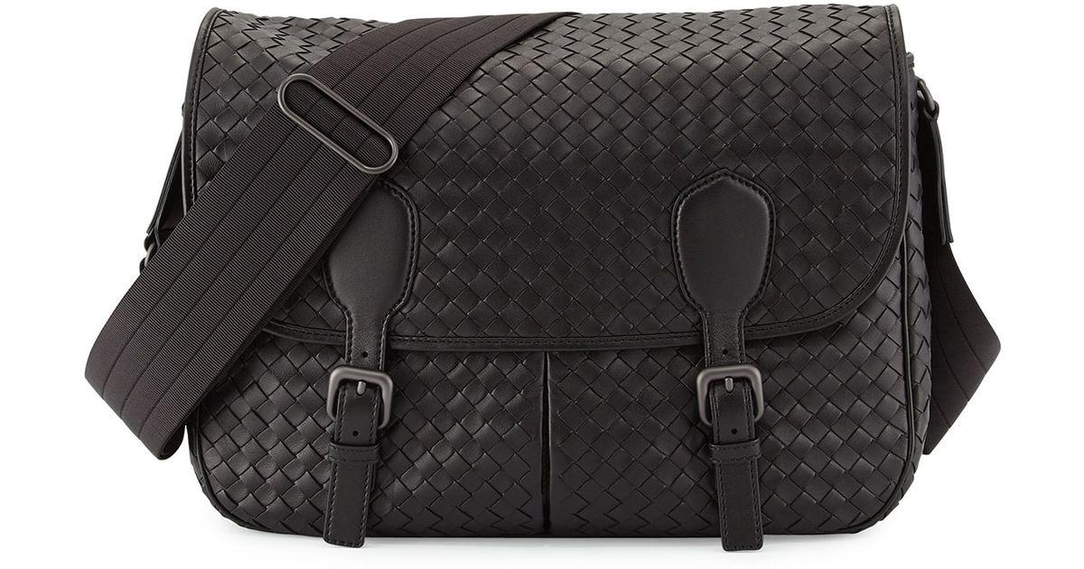 253dbaab9b Bottega Veneta Gardena Woven Messenger Bag in Black for Men - Lyst