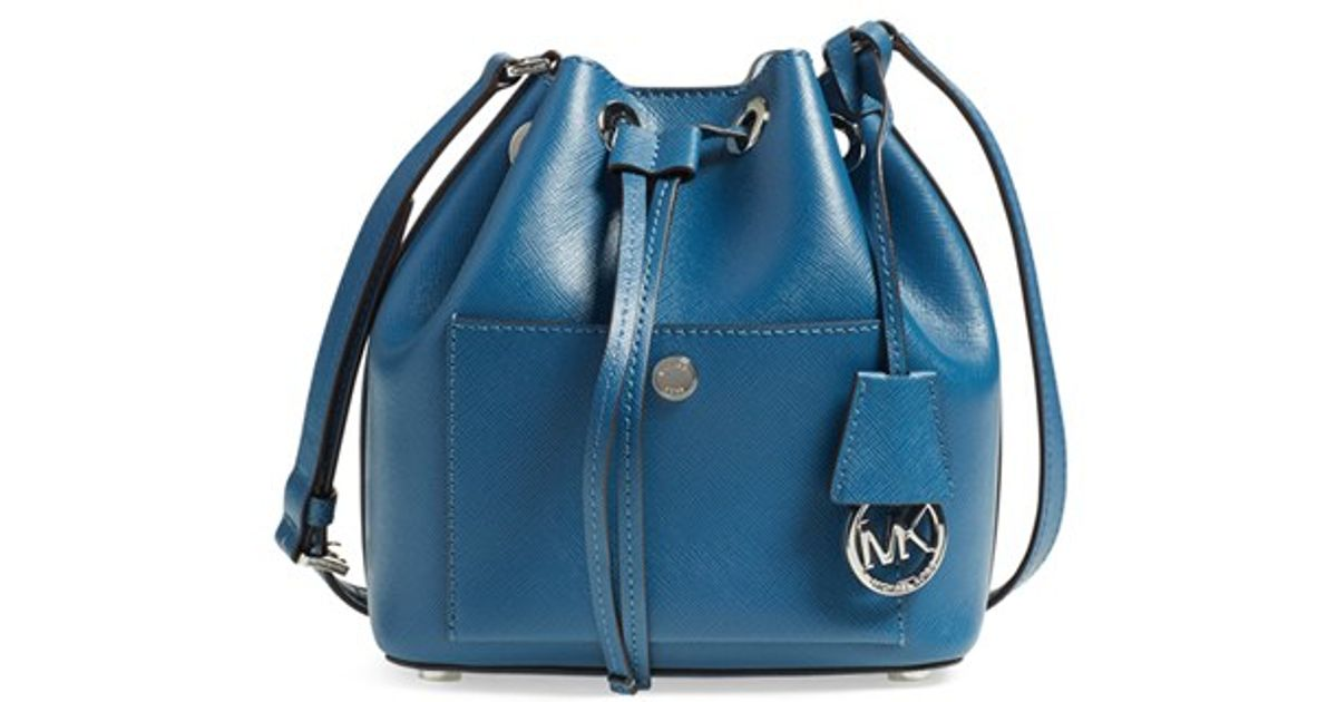 michael kors michael 39 small greenwich 39 leather bucket bag in blue. Black Bedroom Furniture Sets. Home Design Ideas