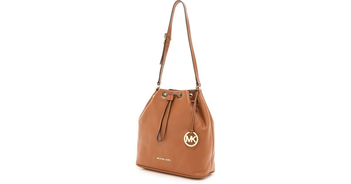 baf3368d4f23 MICHAEL Michael Kors Jules Large Drawstring Bucket Bag Luggage in Brown -  Lyst