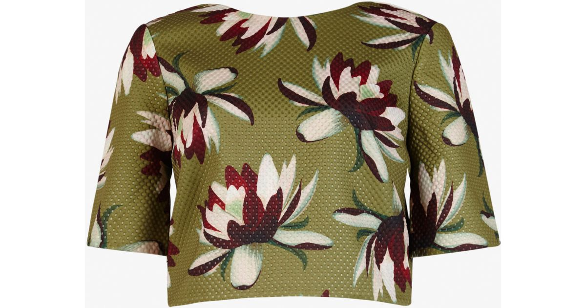 aef90ad24f7ca8 Lyst - Ted Baker Waterlily Print Crop Top in Natural