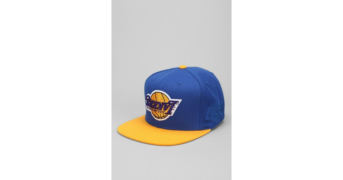 721f88f86ea10 Hall of Fame X Mitchell Ness Lakers Upsidedown Snapback Hat in Blue for Men  - Lyst