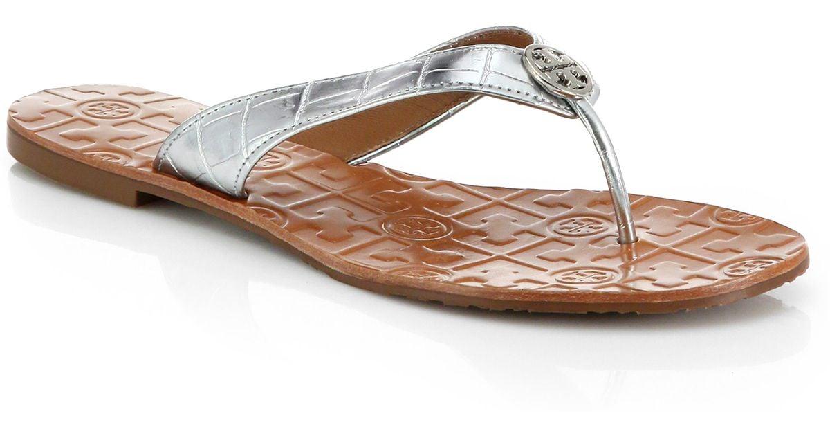 985806e50549 Lyst - Tory Burch Thora Metallic Leather Thong Sandals in Metallic