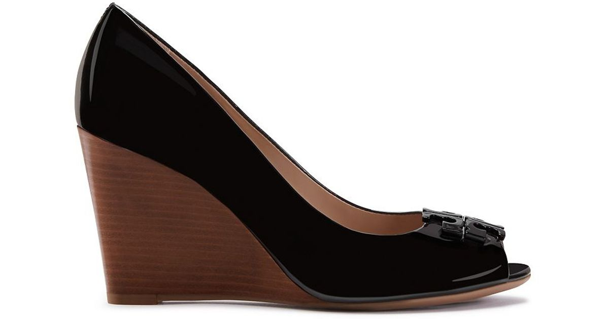 11a35e79c2b0 Tory Burch Lowell Patent Peep-toe Wedge in Black - Lyst
