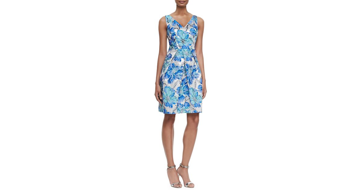 7b6e5c3e9acf8 Kay Unger Floral-brocade Cocktail Dress in Blue - Lyst