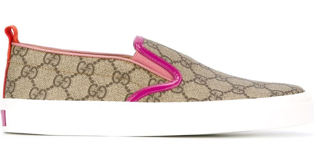 23e1ccb46ab Lyst - Gucci Bloom Print Slip On in Natural
