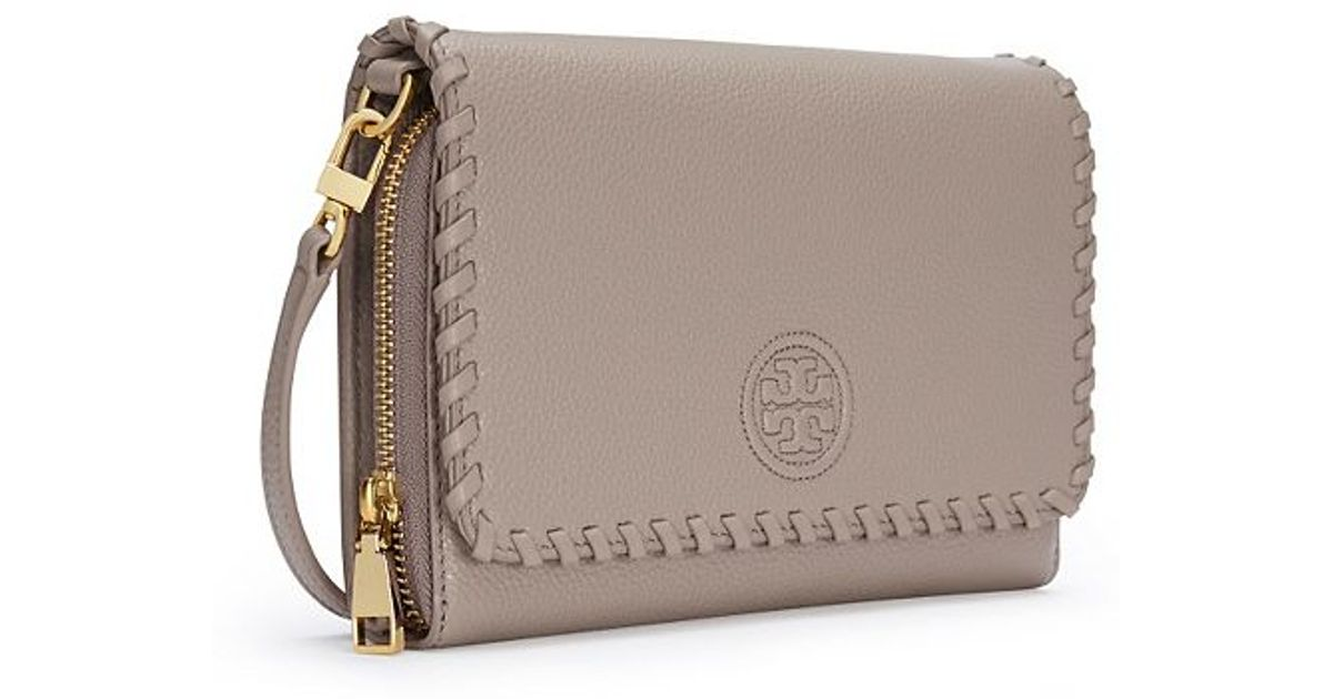 bcaaae65977 Lyst - Tory Burch Marion Flat Wallet Cross-body in Gray