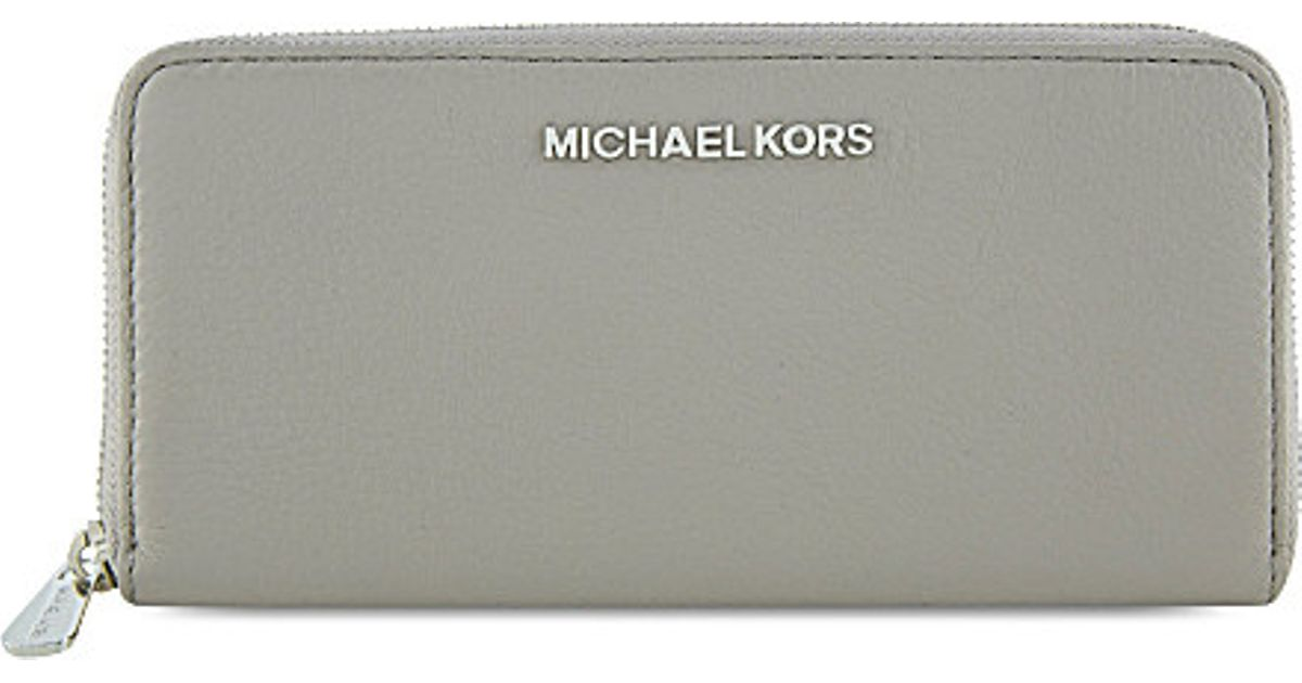 8c8ff7beddd6 MICHAEL Michael Kors Bedford Leather Wallet