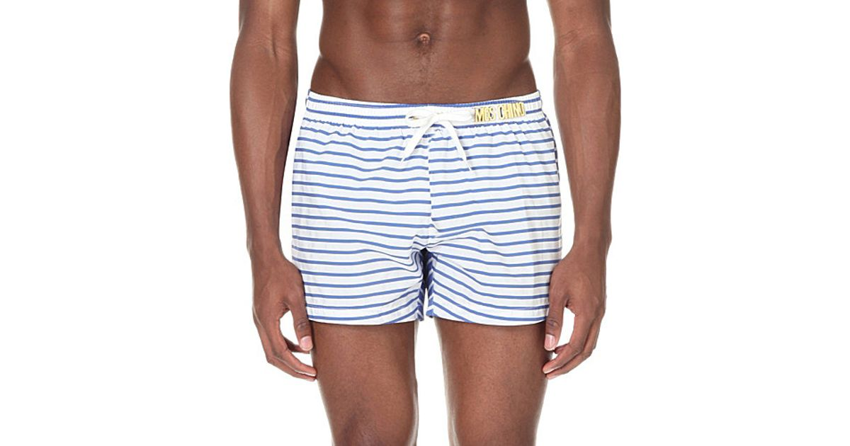 594fd07019fd5 Moschino Striped Gold-toned Logo Swim Shorts in Blue for Men - Lyst