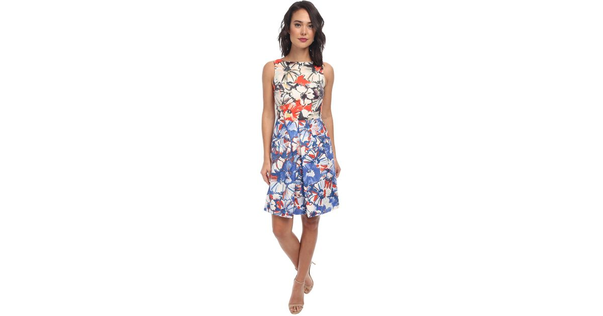 e683db0333905 Donna Morgan Sleeveless Twill Floral Fit And Flare Dress in Red - Lyst