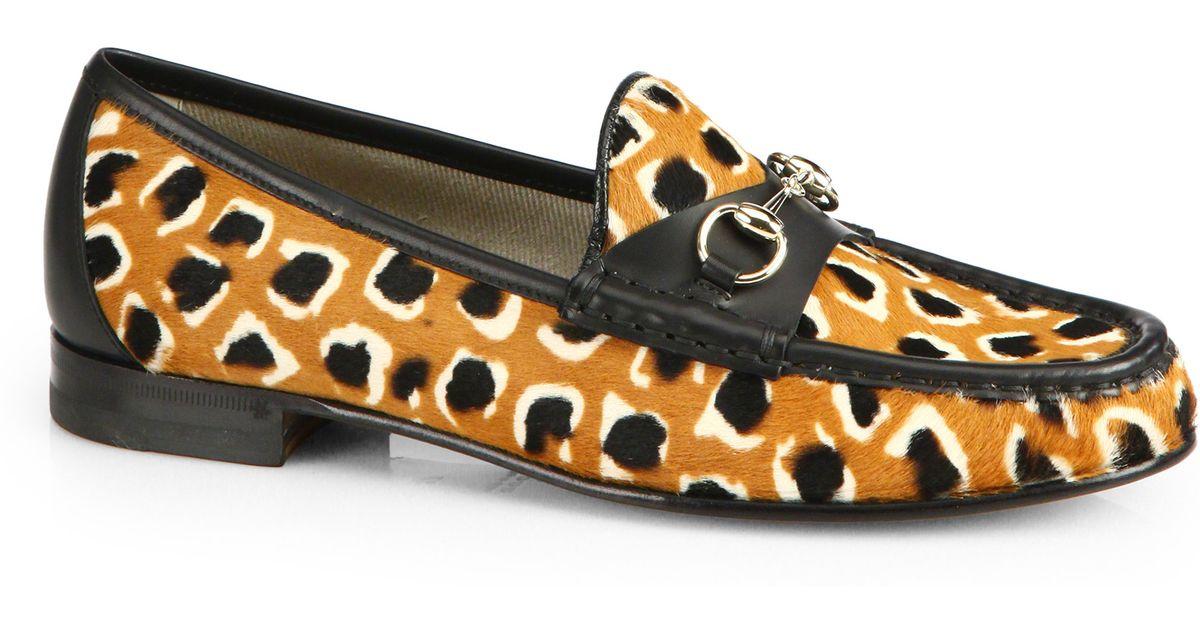 928ae2c28fa3 Gucci Leopard-Print Calf Hair Horsebit Loafers - Lyst