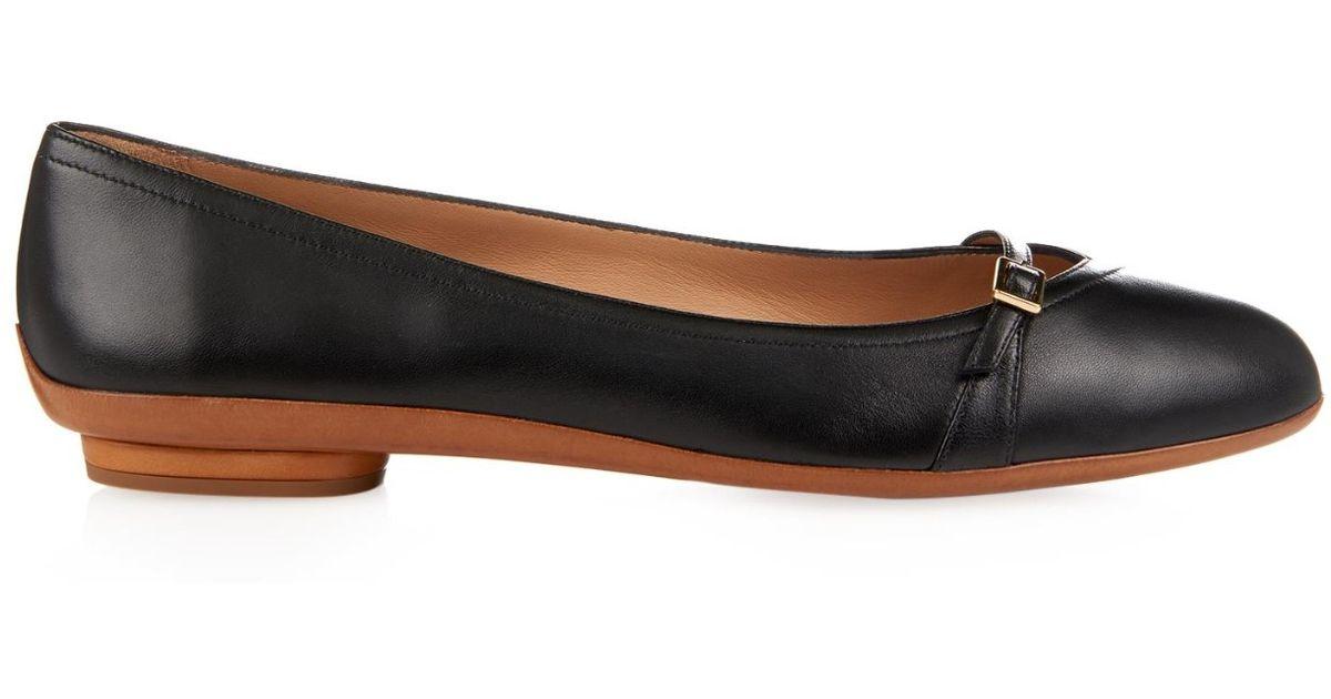 972d22f88 Ferragamo Audrey Leather Flats in Black - Lyst
