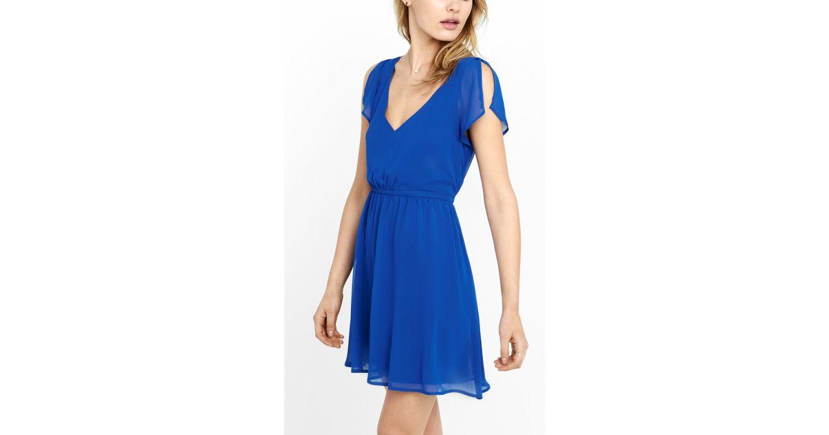 fec517dea8 Express Blue Deep V-neck Soft Chiffon Dress in Blue - Lyst