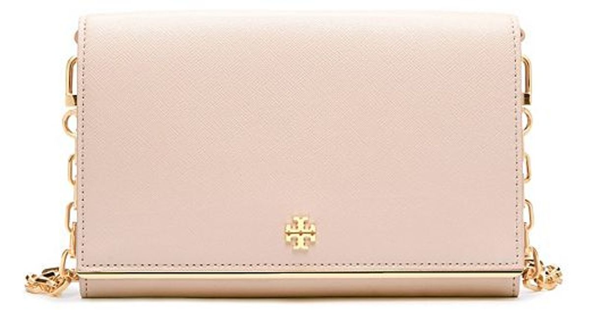 8d465a16d05d Lyst - Tory Burch Robinson Patent Chain Wallet Cross-body in Natural