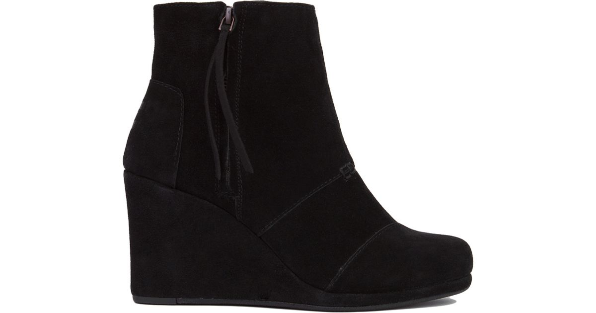 b5ebfb5e2b7 Lyst - TOMS Desert Wedge High Ankle Boots - Black Suede in Black